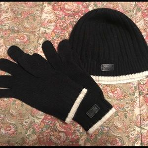 Coach hat and gloves